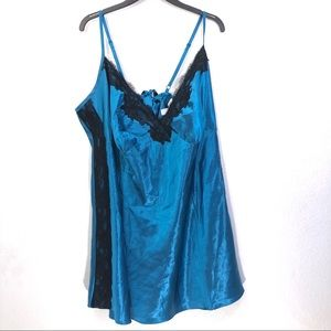 Cacique Satin Sexy Lingerie Nightgown 26/28